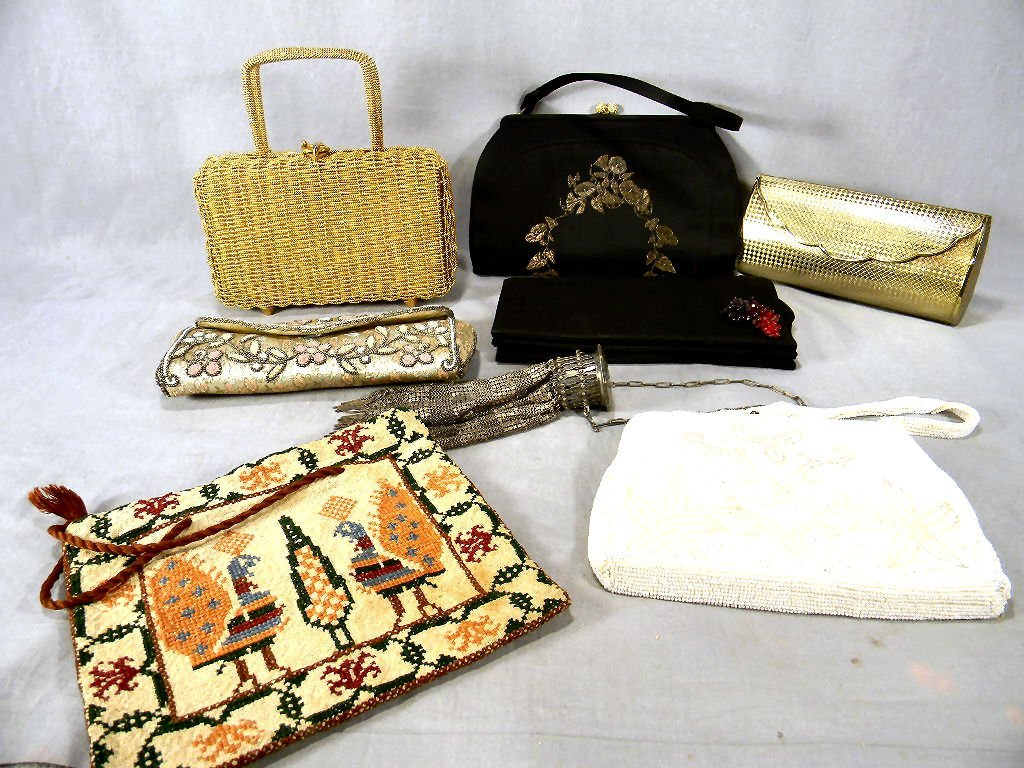 Lot of seven estate purses, very good condtion, two