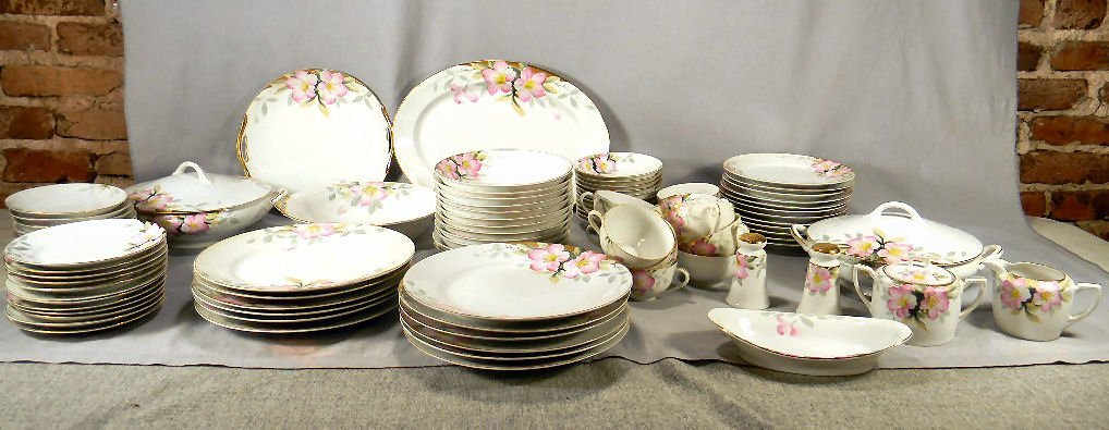 Set of Noritake china Azalea pattern 19322, small chip
