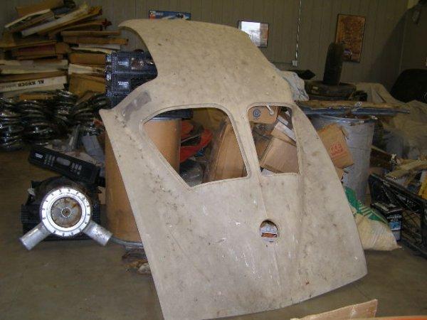 6C: RARE NOS 1963 CHEVROLET SPLIT WINDOW ROOF PIECE