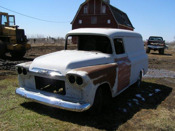 8A: 1958 Chevrolet Suburban Panel Truck