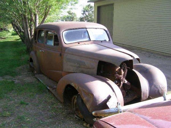 10L: 1937 Chevrolet 4dr Sedan