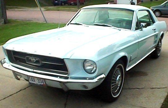 20L: 1967 FORD Mustang 2dr HT