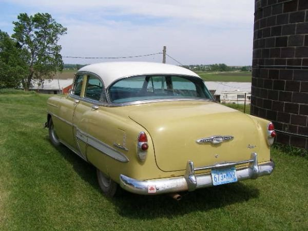 38L: 1953 CHEVROLET 4DR POST