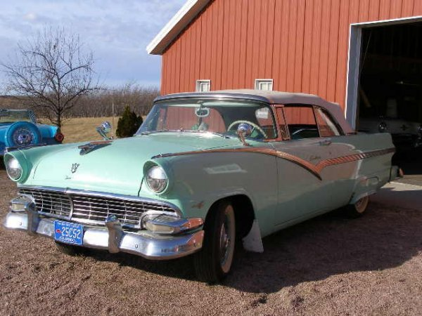 16H: 1956 Ford Fairlane Sunliner Convertible