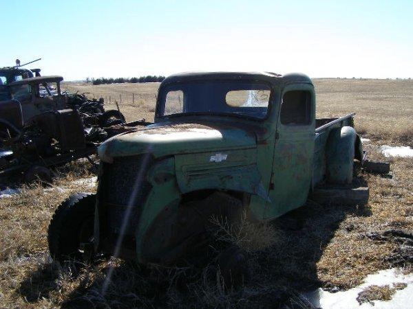 3V: 1938 Chevrolet Model HE 1 ton Pickup