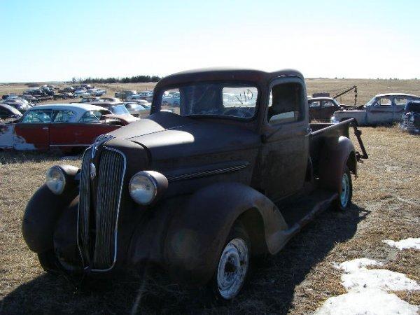 10V: 1937 Plymouth PT50 Pickup