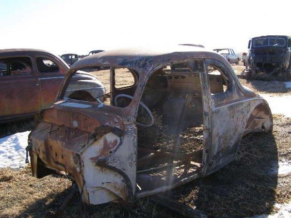 17V: 1940 Ford 2dr Body