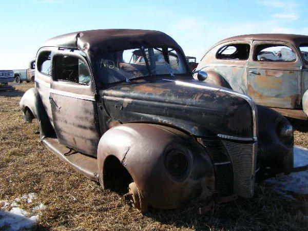 21V: 1941 Ford 2dr Sedan