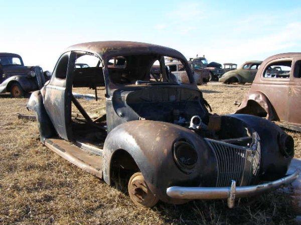 23V: 1940 Ford 2dr Coupe