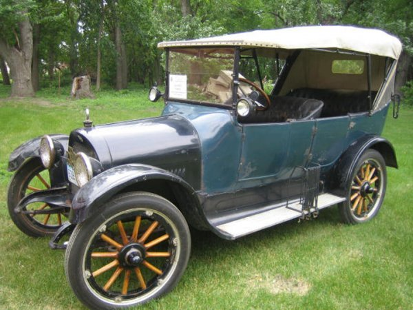 46H: 1915 REO Touring Car