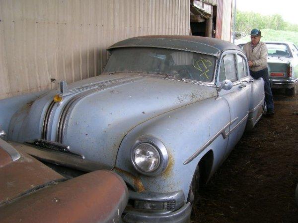 5V: 1953 Pontiac 4dr Post