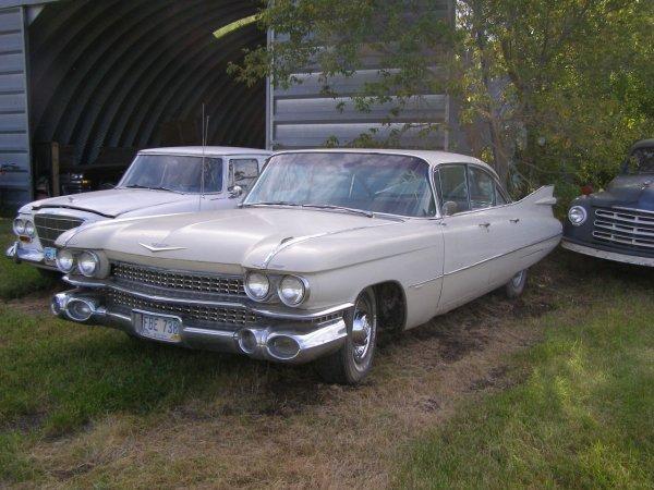 9V: 1959 Cadillac 4dr HT