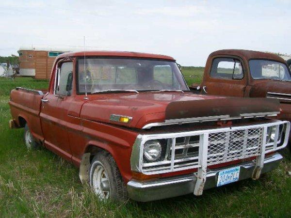 15V: 1971 Ford F-100 Shortbox pickup