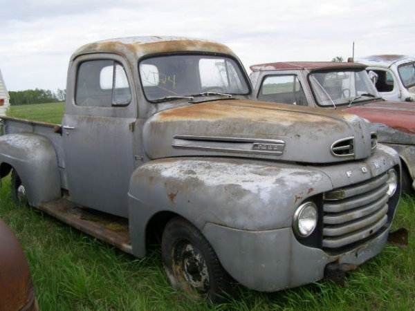 24V: 1949 Ford F-1 Pickup