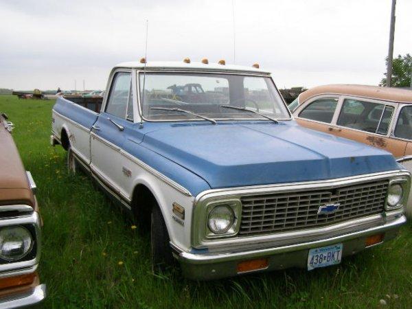 206V: Chevrolet C10 Cheyenne 1/2 ton pickup