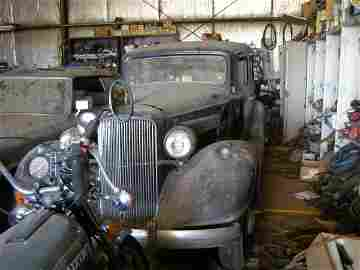 295V: 1934 Pontiac  8 4dr Suicide Sedan