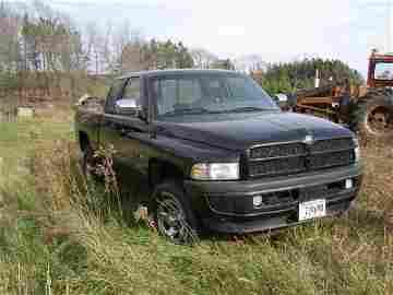 8W: 1996 Dodge Ram 1500 4x4 Pickup