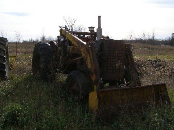 9W: Farmall 300 or 400 Standard Tractor
