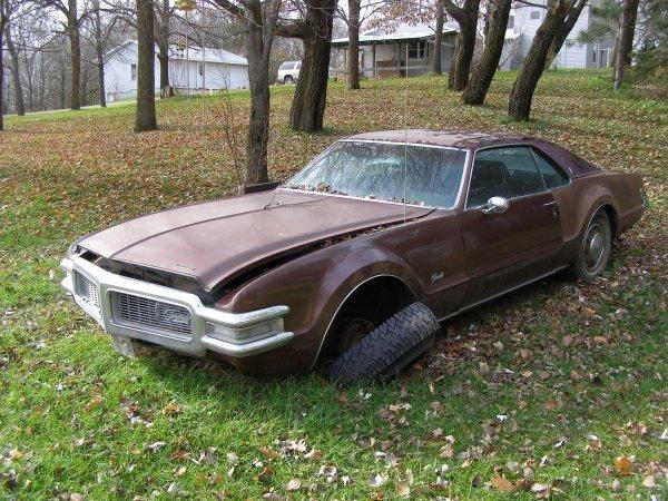 22W: 1969 Oldsmobile  Toronado 2dr coupe