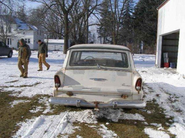 8B: 1955 Plymouth Plaza 4dr Wagon - 4
