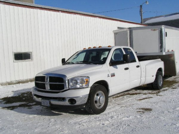 16B: 2007 Dodge  Ram  3500 Heavy Duty Dually Pickup.