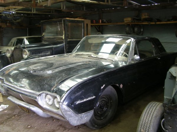 8J: 1961 Ford Thunderbird Coupe