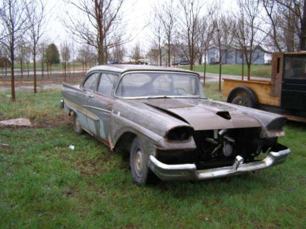 9J: 1958 Ford Custom 500 2dr Post