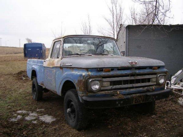 12J: 1961 Ford F250 4x4 Pickup