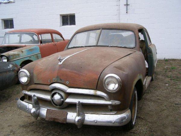 11F: 1949 Ford 2dr Sedan