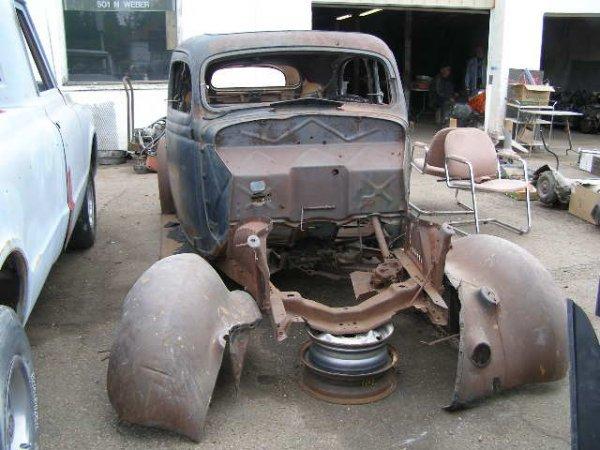 15F: 1935/6 Ford 2dr Sedan Shell