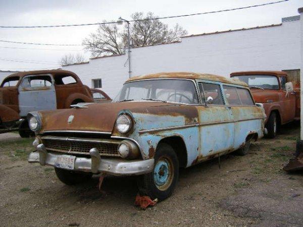 16F: 1955 Ford Ranch Wagon 2dr