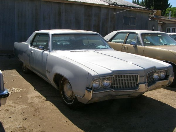 4T: 1969 Oldsmobile 98 2dr Hard top