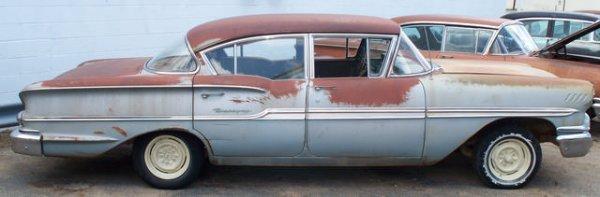 7M: 1958 Chevrolet Biscayne 4dr Sedan