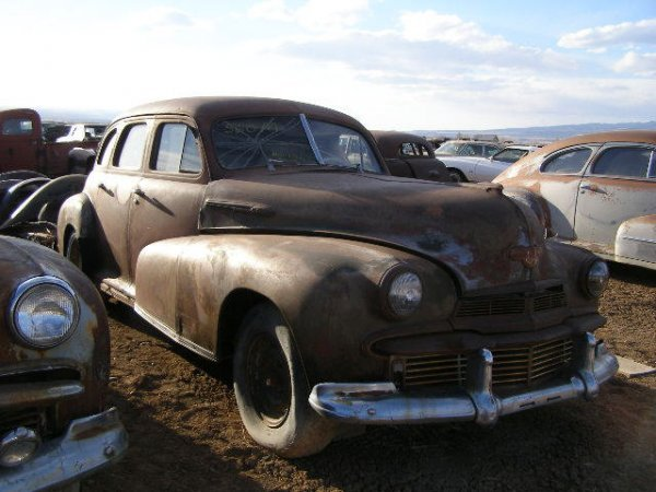 560M: 1942 Olds Black Out Model 4dr Sedan