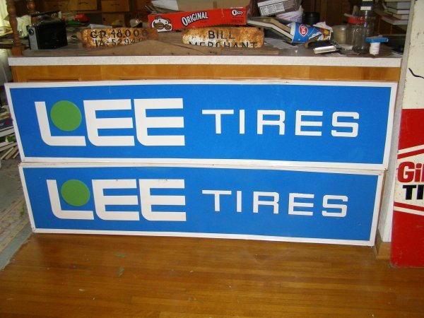 1S: A set of Lees Tires sign