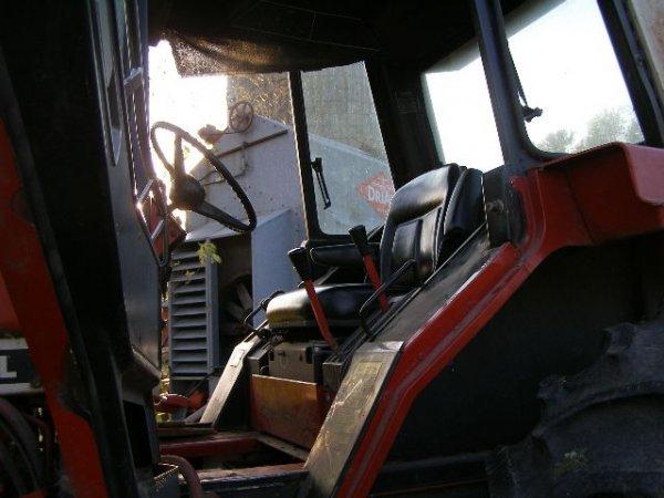 10R: International Farmall 1486 Cab Tractor - 5