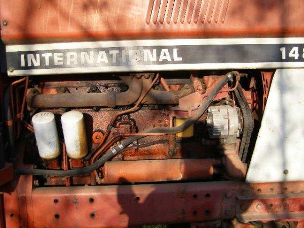 10R: International Farmall 1486 Cab Tractor - 7