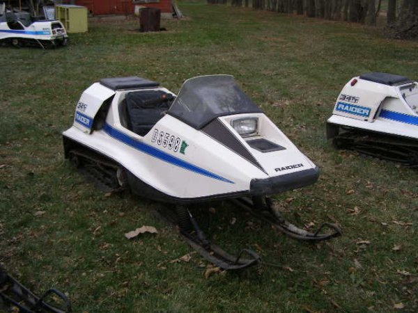 11R: 1973 Raider 34TT Snowmobile