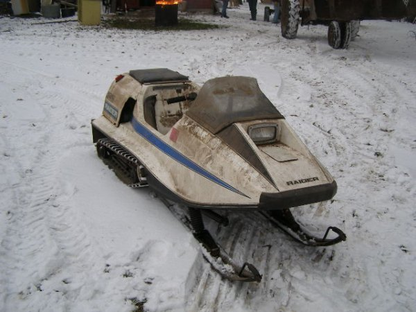 12R: 1973 Raider 340 TT Twin Track Snowmobile