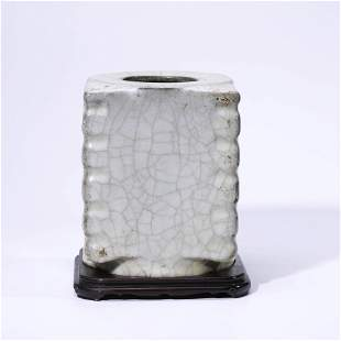 A CHINESE GUAN-TYPE PORCELAIN VASE & STAND