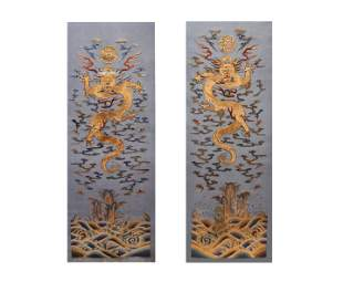 A PAIR OF QING DYNASTY SILK GRAGON EMBROIDERIES
