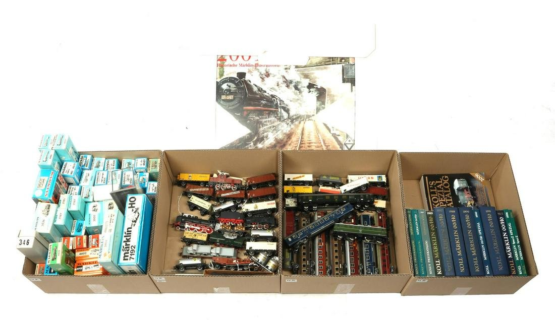 3 boxes with Marklin & nbsp; trains, locomotives and