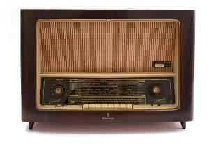 Siemens radio in wooden case