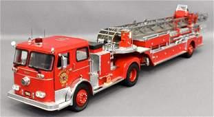 Franklin Mint 1/32 1965 Seagrave aerial ladder truck
