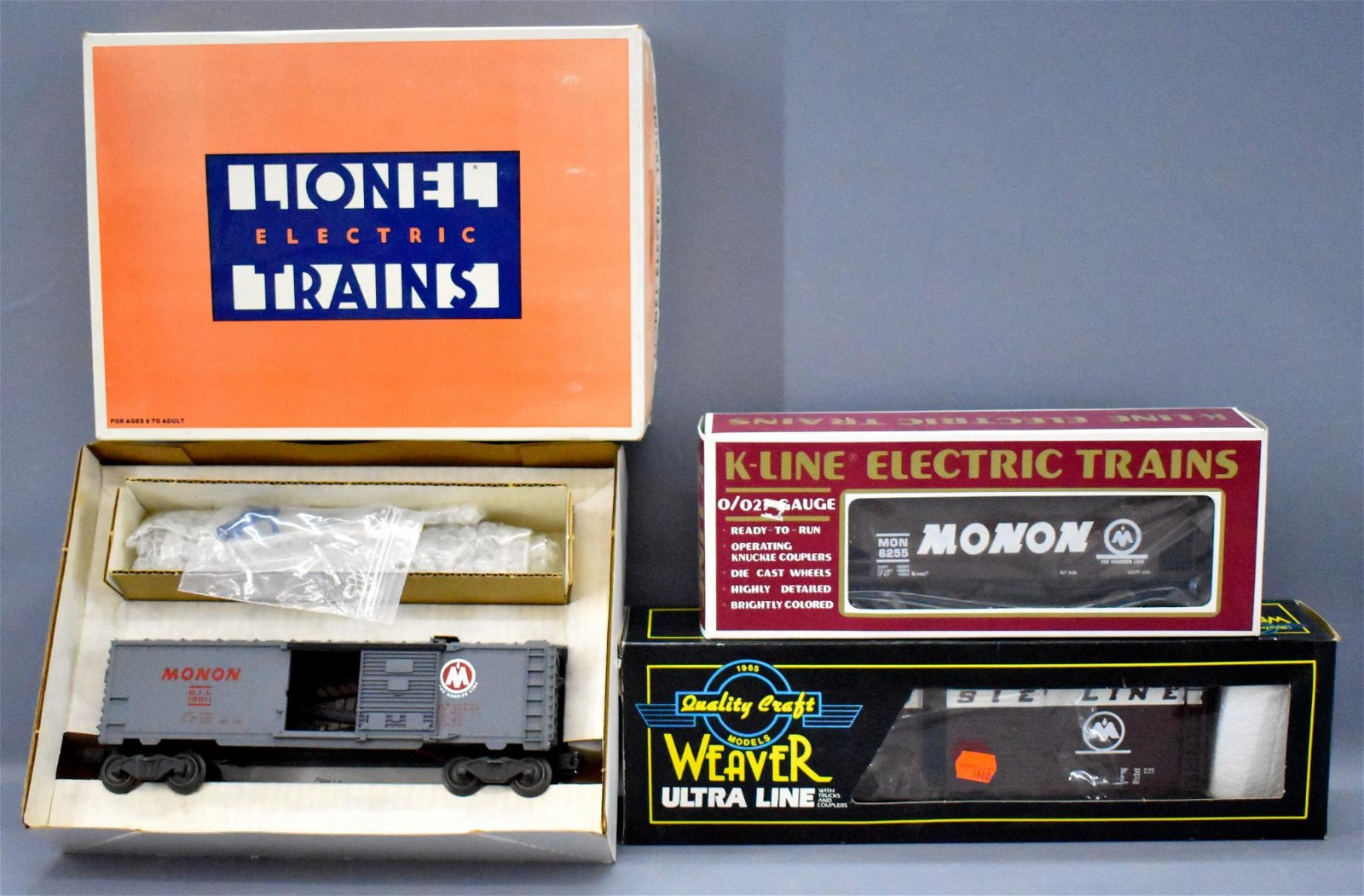 Lionel Weaver and K-Line O gauge Monon freight cars in