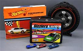 Two Redline Hot Wheels cases and a Sizzlers lunch box p
