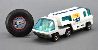 Hot Wheels Redline White Enamel Heavyweights Racing