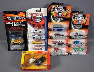 Hot Wheels Street Show Vintage Racing Ultra Hots and