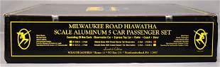Weaver O scale 3-rail Milwaukee Road Hiawatha ribbed