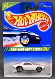 Hot Wheels 1995 Treasure Hunt #3 '67 Camaro mint on a
